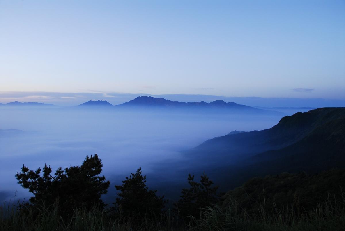雲海に浮かぶ阿蘇